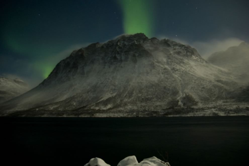 Aurora Borealis - a windy night beneath the northern lights
