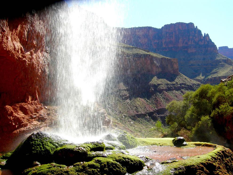 Grand Canyon - behind Ribbon Falls