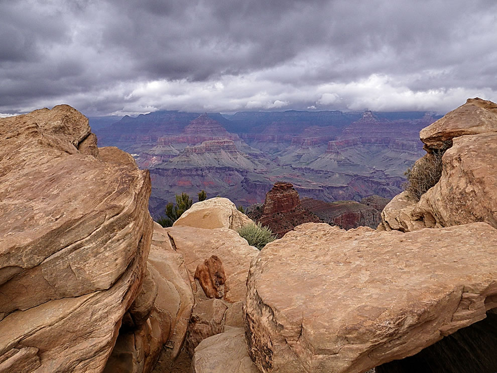 Ooh-Aah Point view - storm clouds gathering
