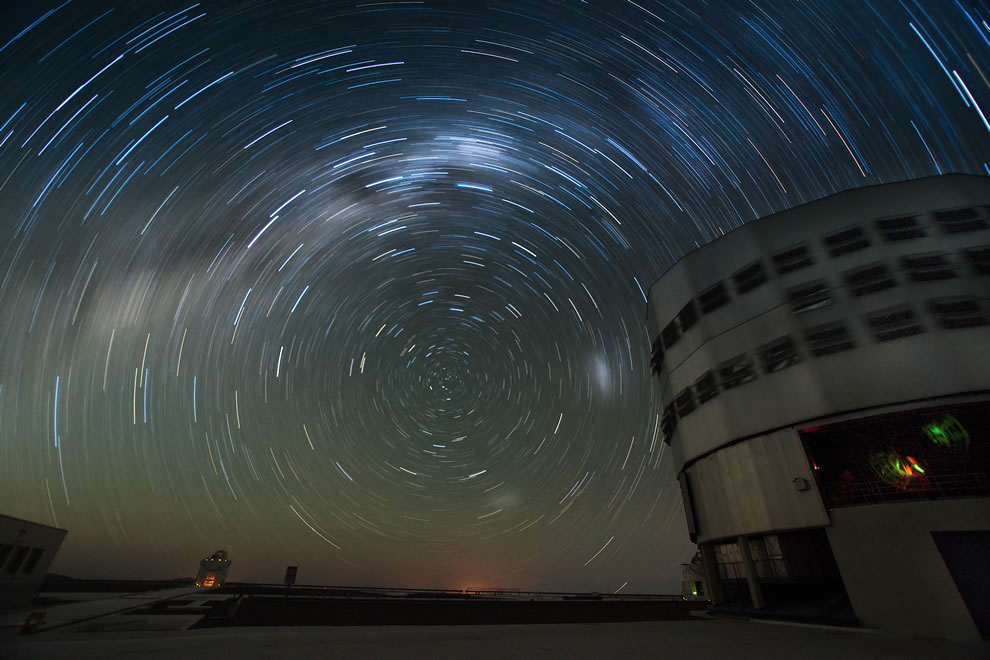 ESO - Starry Night at Paranal