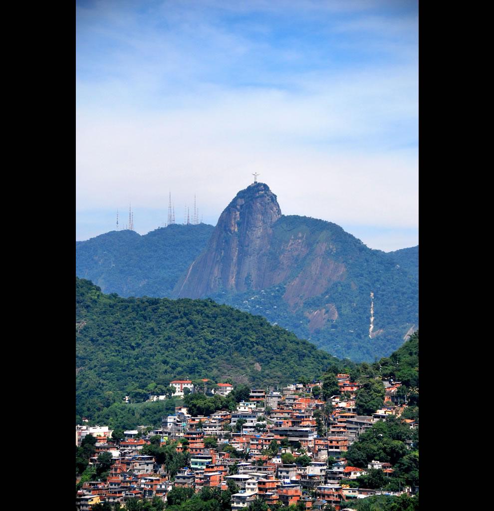 Rio de Janeiro - Chapéu Mangueira - Vista Forte do Leme Christ the Redeemer statue