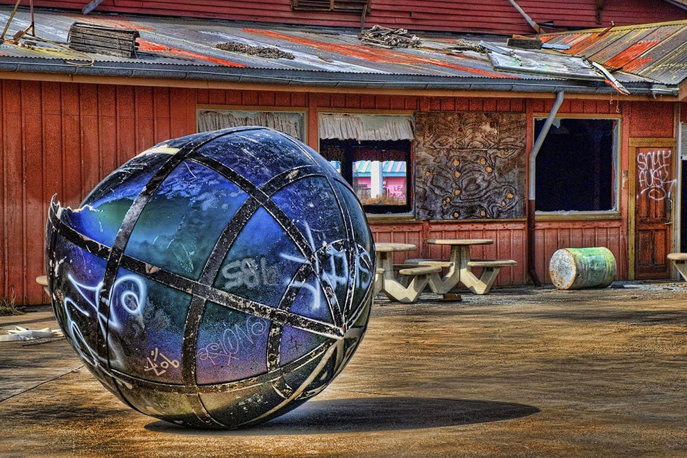 Big Ball; Six Flags New Orleans