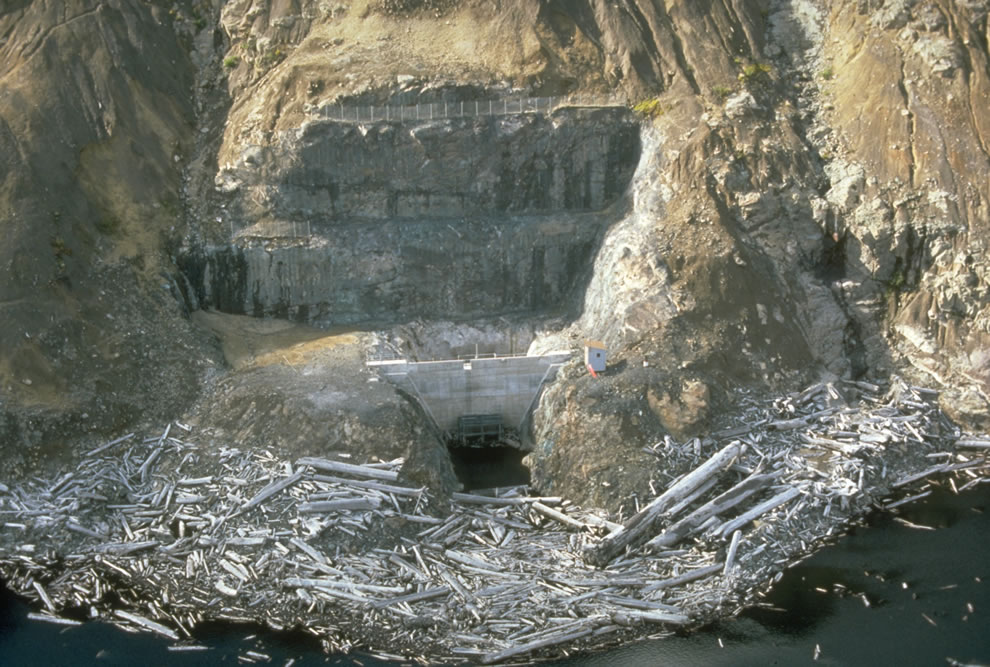 In May 1985 a permanent tunnel was opened, allowing water to drain out of the Spirit Lake safely