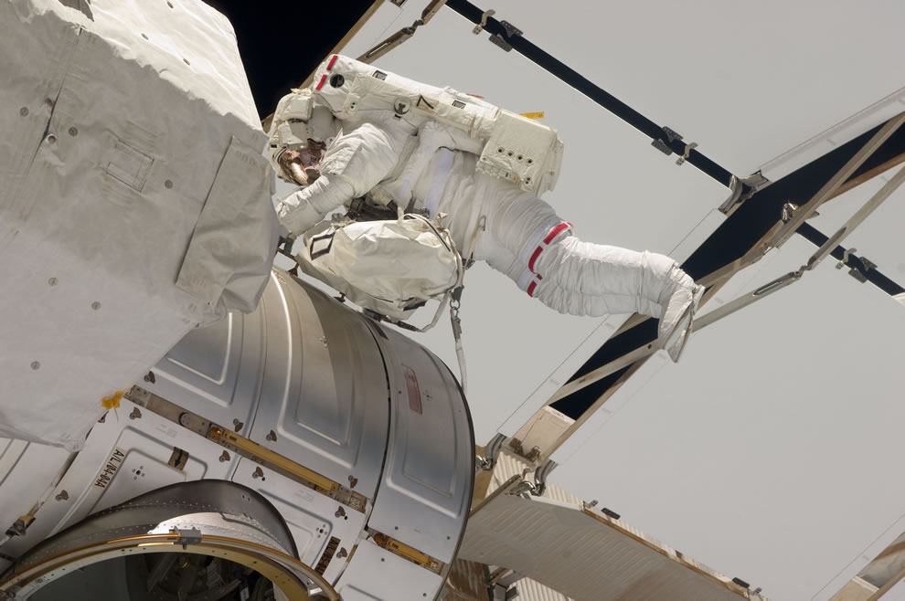 May 20 NASA astronaut Greg Chamitoff, STS-134 - Endeavor - ISS