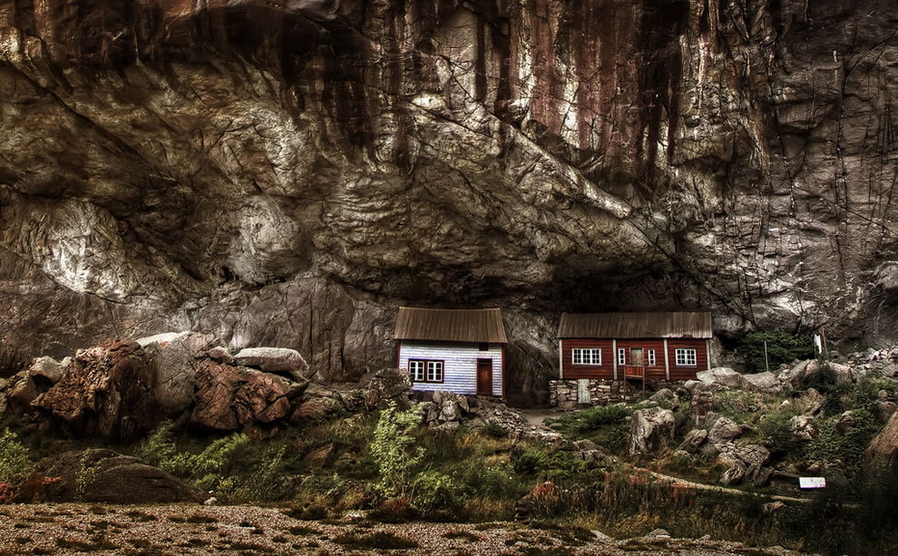 Cliff houses - cool houses right outside Jøssingfjord in Norway
