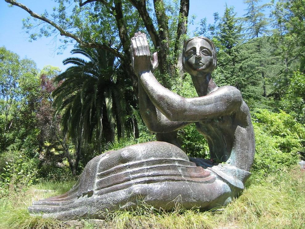 Gagra statue