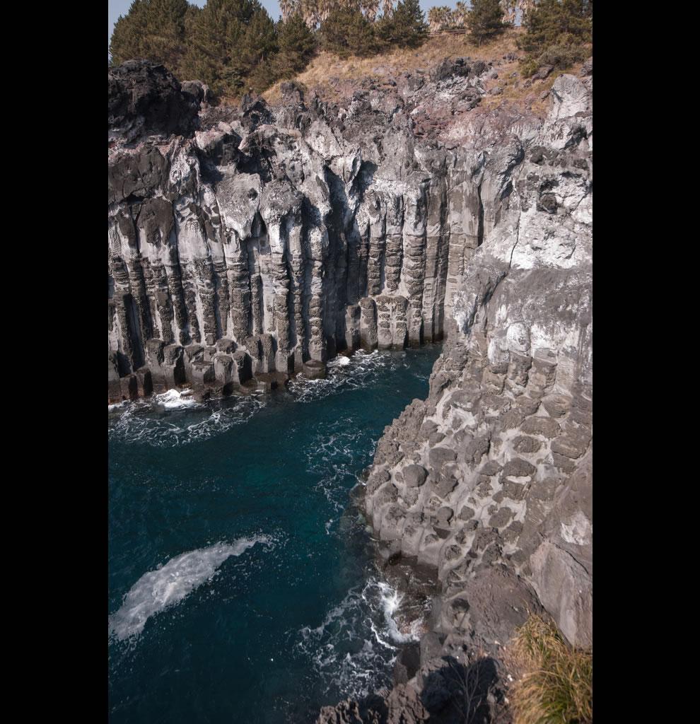 Jeju Travel Pillar-shaped joint