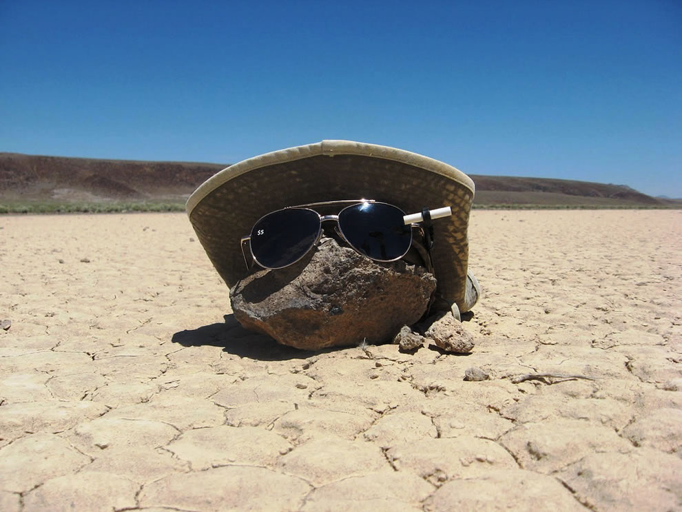 Mysterious Roving Rocks of Racetrack Playa