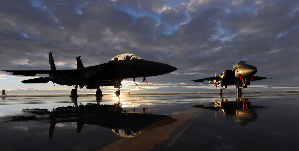 U.S. Air Force F-15E Strike Eagle aircraft assigned to 391st and 389th Fighter   Squadrons sit on the flight line at Mountain Home Air Force Base, Idaho