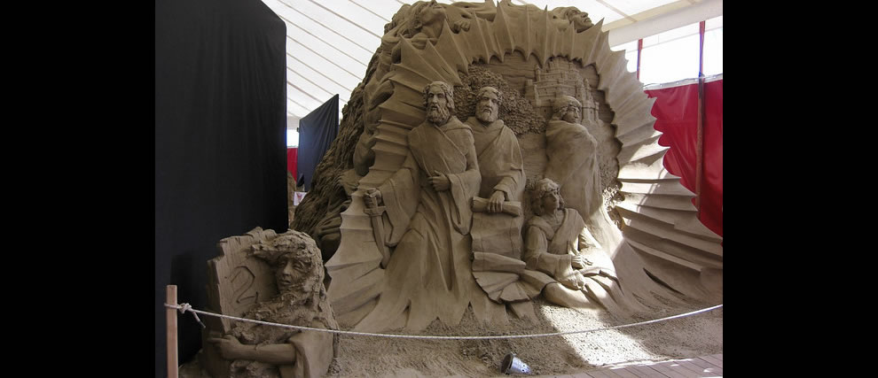 Limbo in Dante's Hell, Circle 1  sand sculptures and start of Circle 2