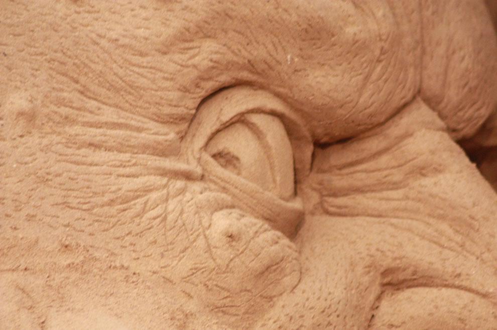 eye of a sand demon in Dante's Hell