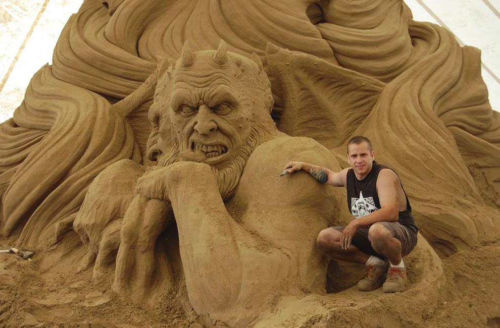sand demon creator at Jesolo Dante's Inferno