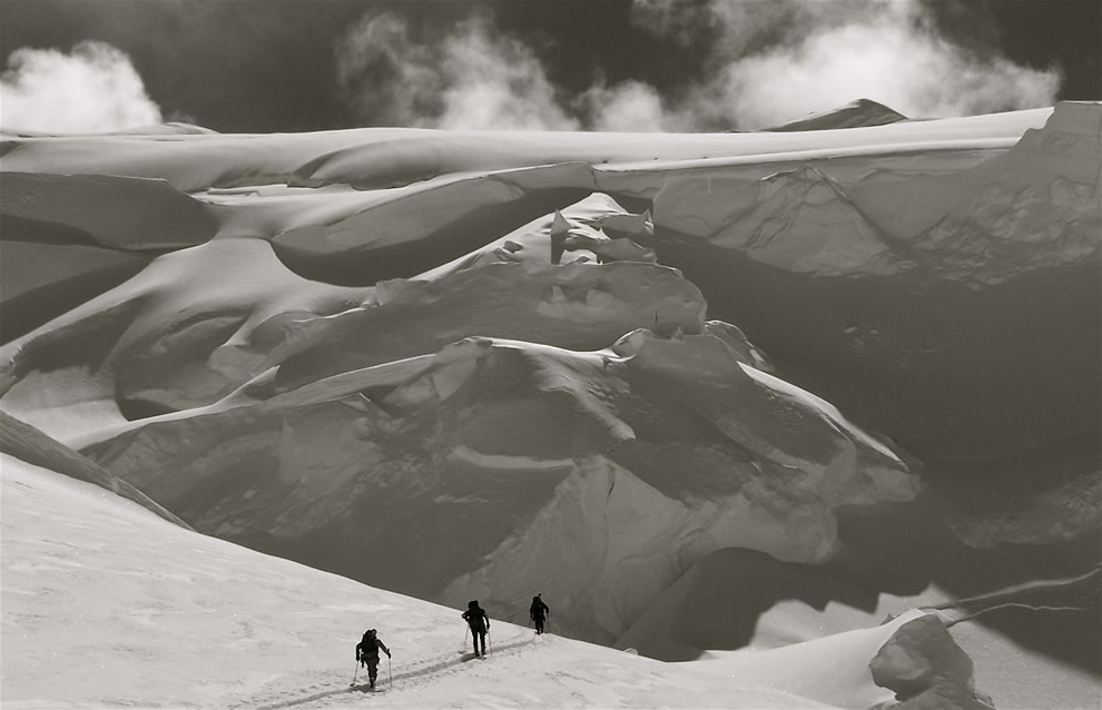 A quiet ski in the Alaska Range - Denali National Park