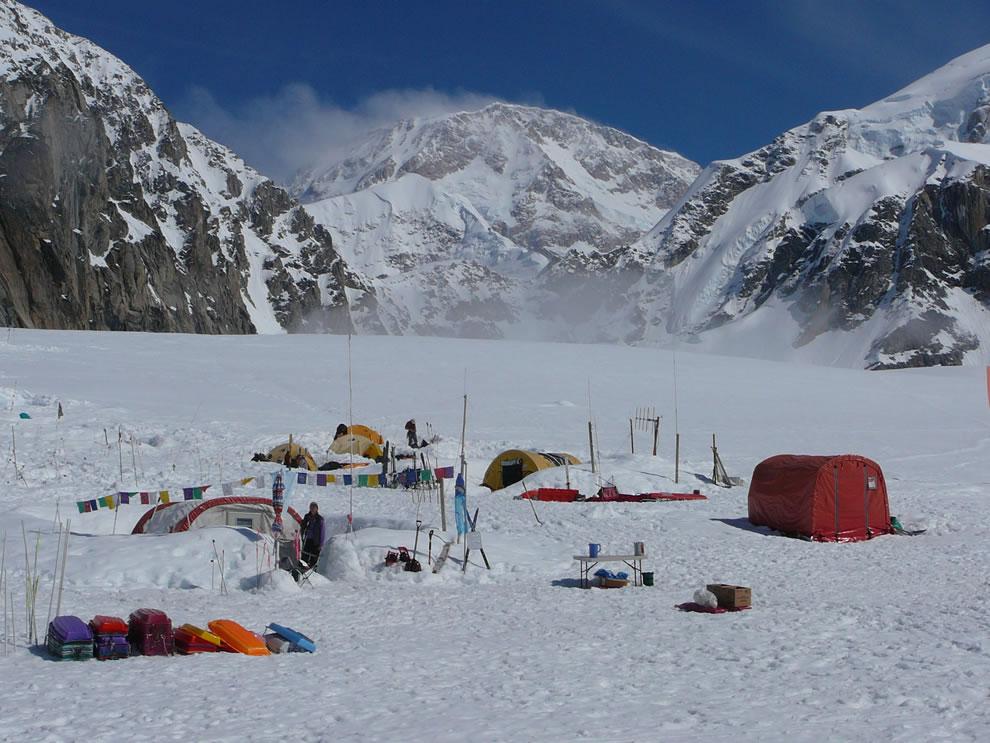 Mountaineering Denali National Park  - Basecamp on the Southeast Fork of the Kahiltna Glacier