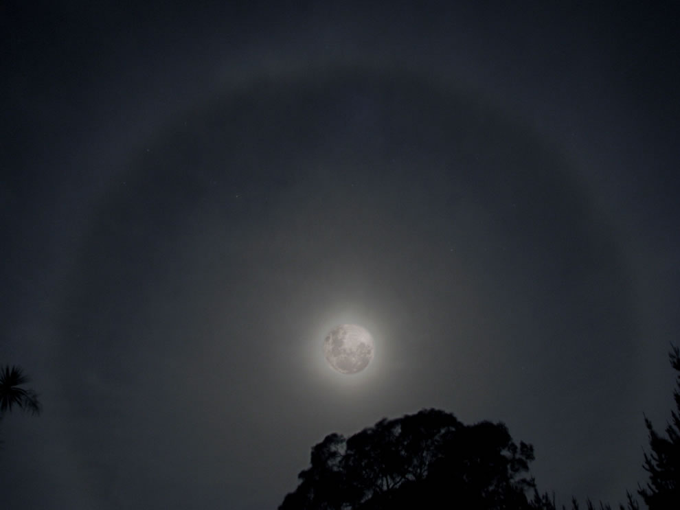 Scorpius in Moon halo