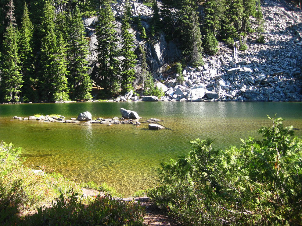 Alpine Wilderness Necklace Valley