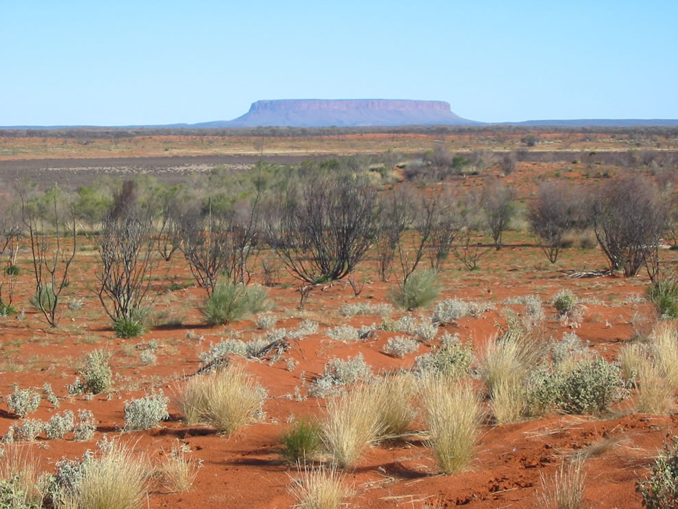 Australian Outback - Mount O'Connor, a mesa between Alice Springs and Uluru