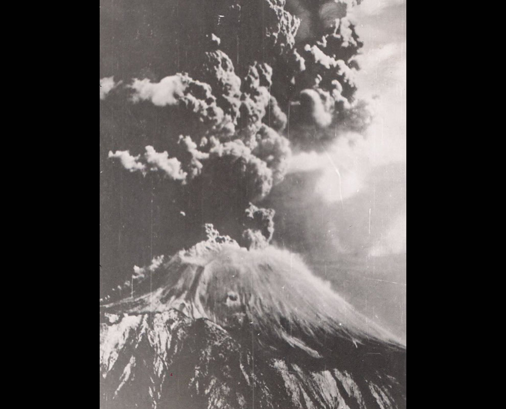 Mt Vesuvius Erupting in March 1944
