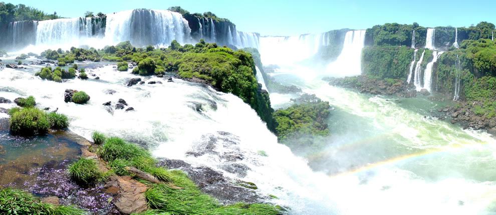 Panorama des chutes de l'Iguazu (Iguazu Waterfalls)