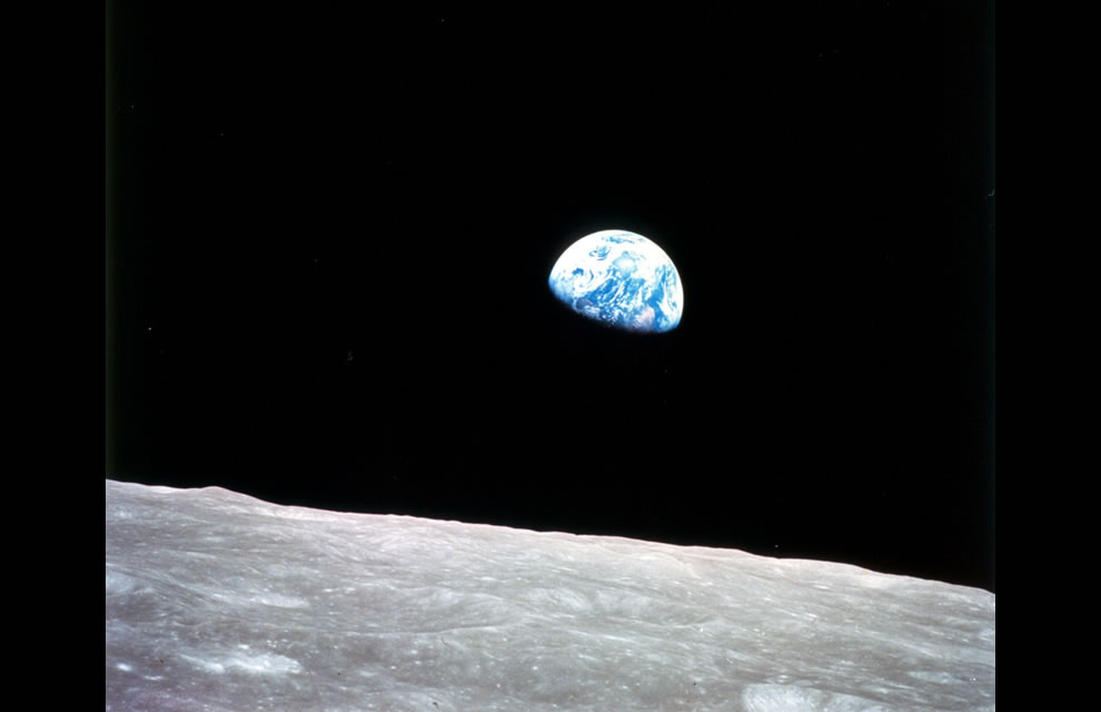 Earthrise at Christmas