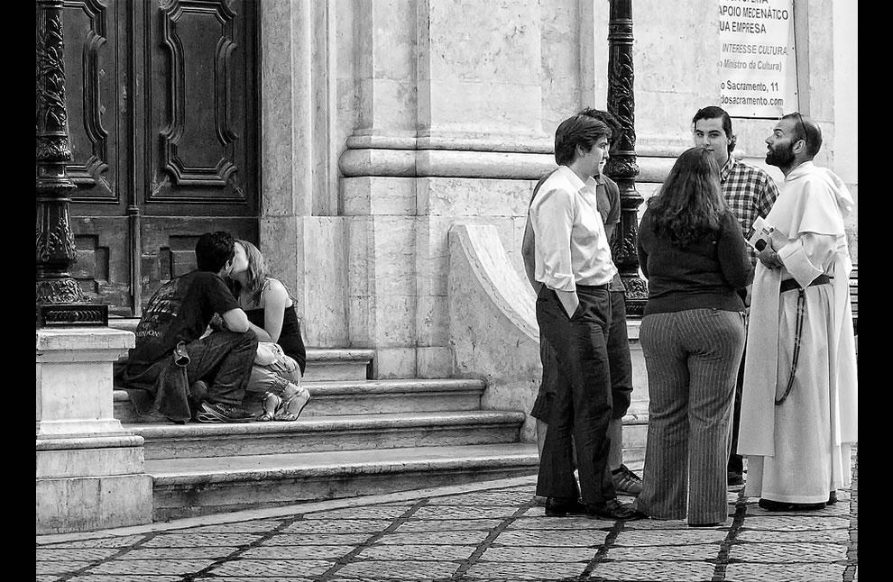 Lisbon love, public kisses