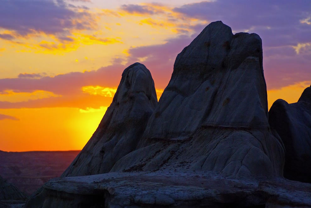 Theodore Roosevelt National Park badlands sunset