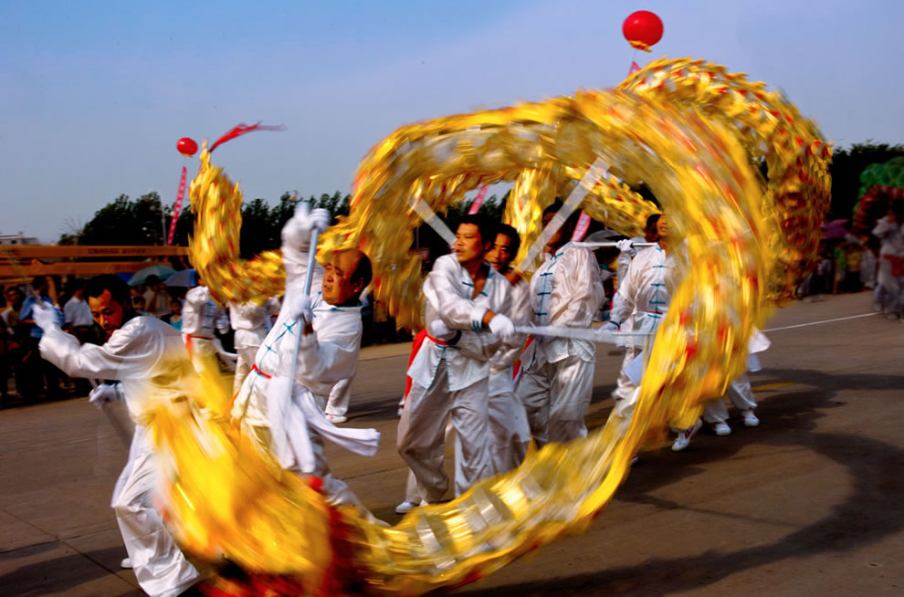 Dragon dance in China