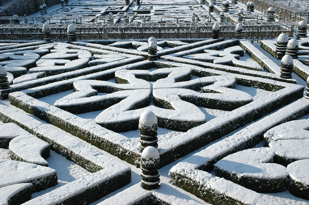 Chateau de Villandry geometric gardens -- crosses -- winter scene