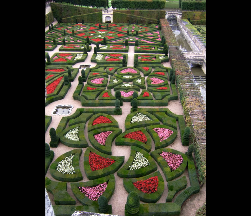 The Garden of Love at the Loire Valley Chateau of Villandry, France, is the sexiest use of boxwood you may ever find