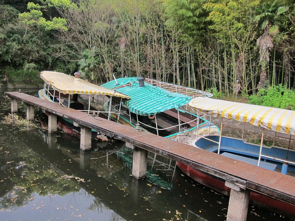 April 2011 sinking Jungle Adventures of abandoned Nara Dreamland