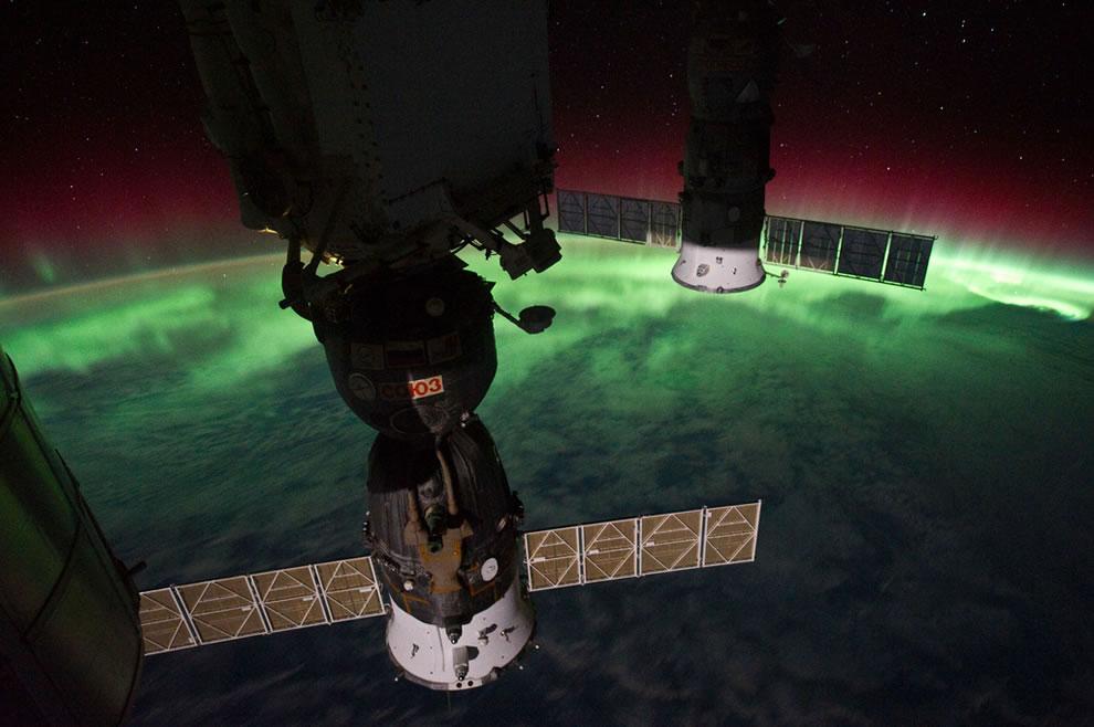 From the ISS, Aurora Australis Over New Zealand, Tasman Sea