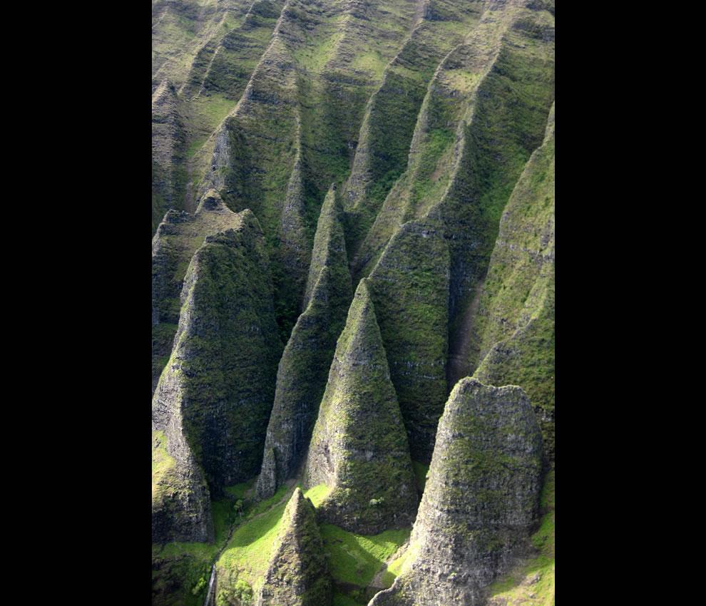Kaua'i - Helicopter Tour -- Nā Pali Coast - Cathedral Cliffs
