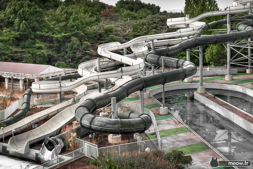 abandoned waterpark ride at Japan's Nara Dreamland