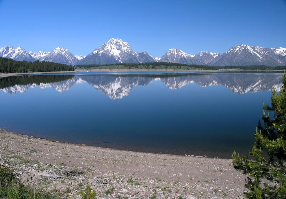 Jackson Lake and Grand Teton National Park