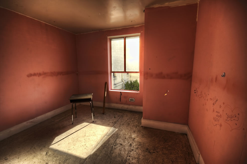 Abandoned Linda Vista -- Another room in the haunted hospital. This is where they disciplined the bad ones