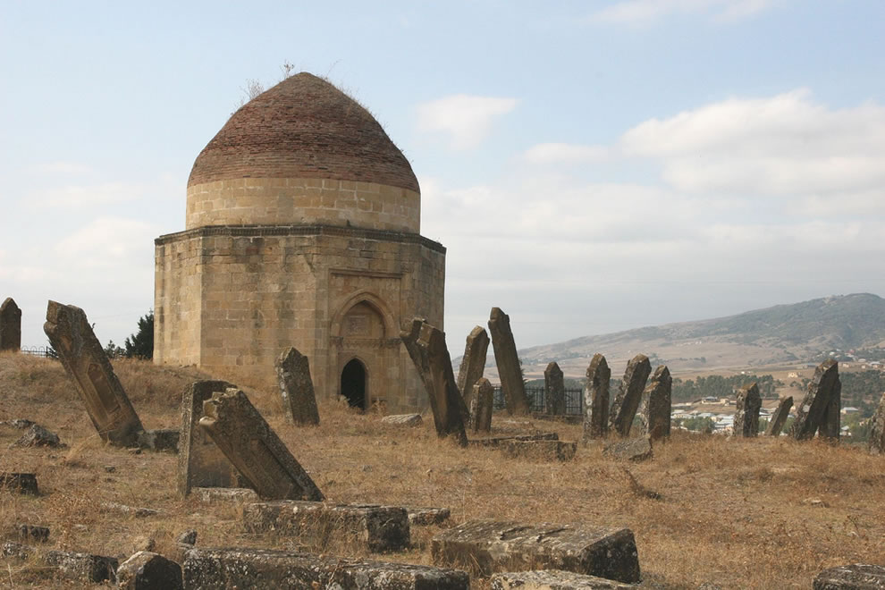 Eddi Gumbez (15 th century) mausoleum and graveyard in Shamakhi (Azerbaijan)