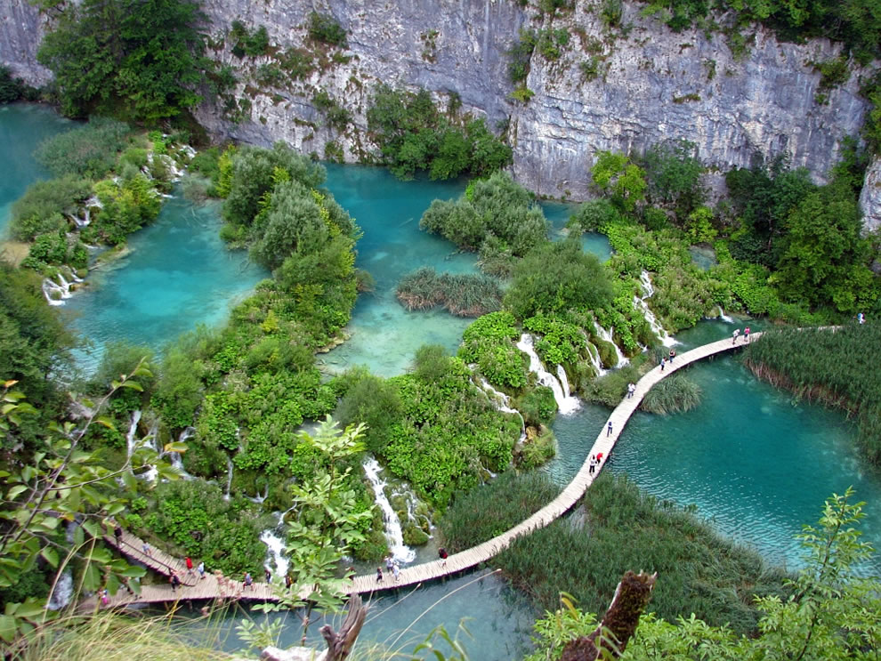 Amazing blue waters at Plitvice
