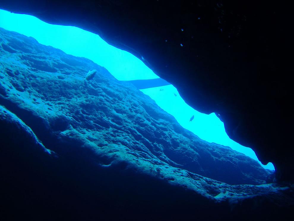 Cave crevice - Vortex Spring