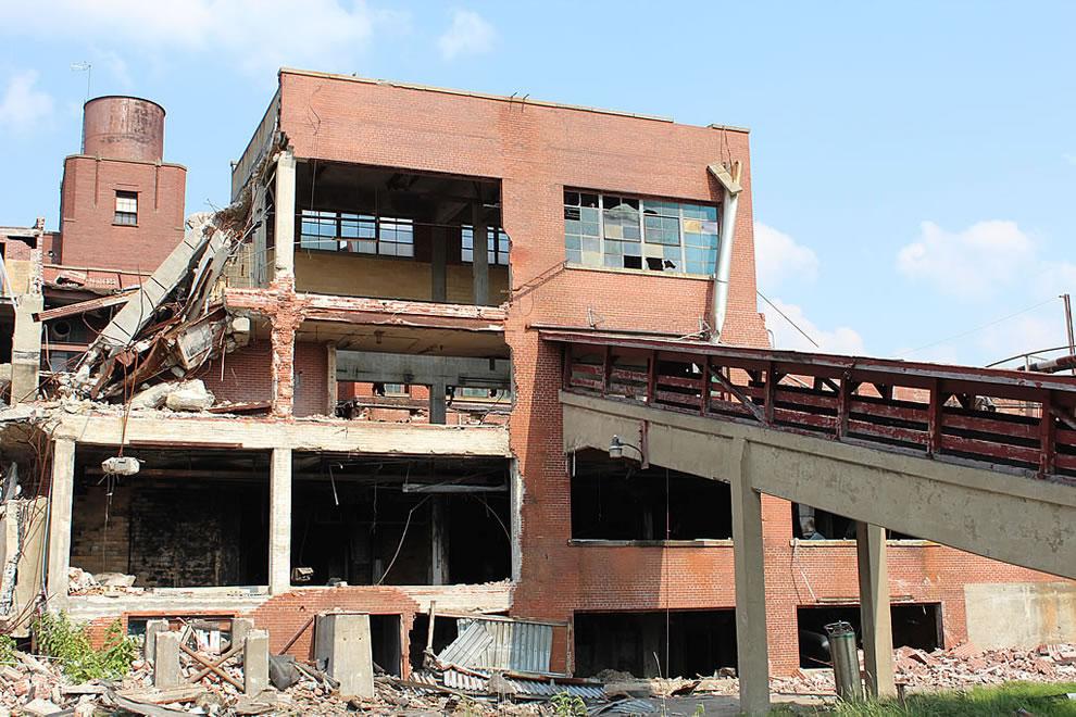 Demolition of abandoned demolished Emge Food Processing Plant -- slaughterhouse ramp