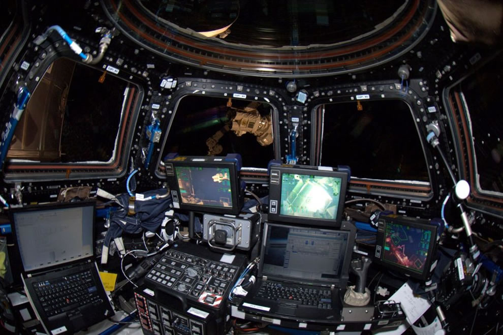 Inside ISS Practice set-up for Dragon