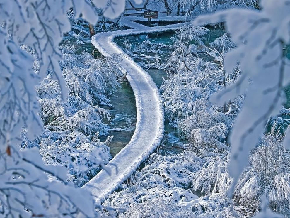 Plitvice transformed by ice