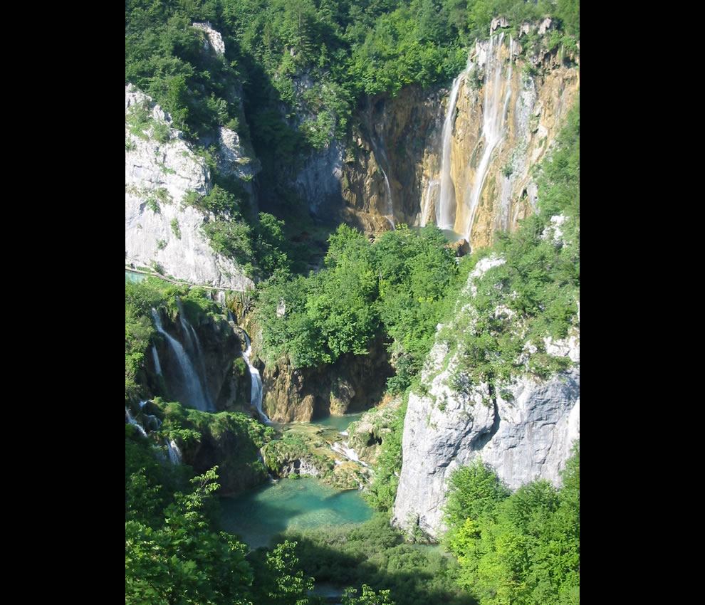 The large waterfall at Plitvice Lakes National Park