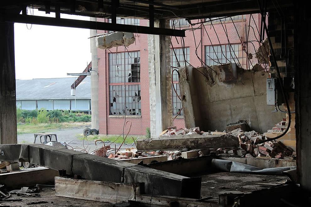 Around back main floor at abandoned Emge Food Processing Plant