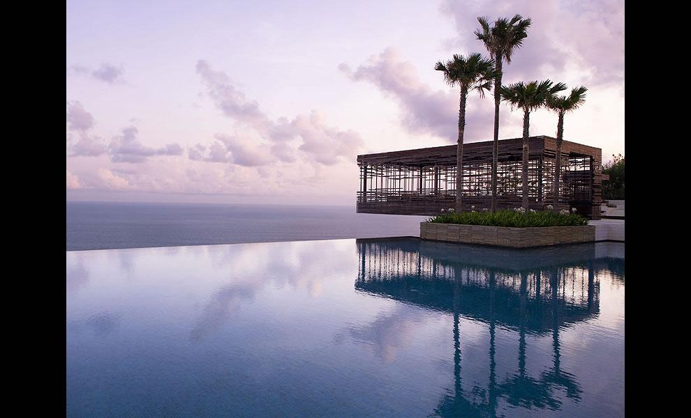 Infinity pool at Alila Villas Uluwatu in Bali