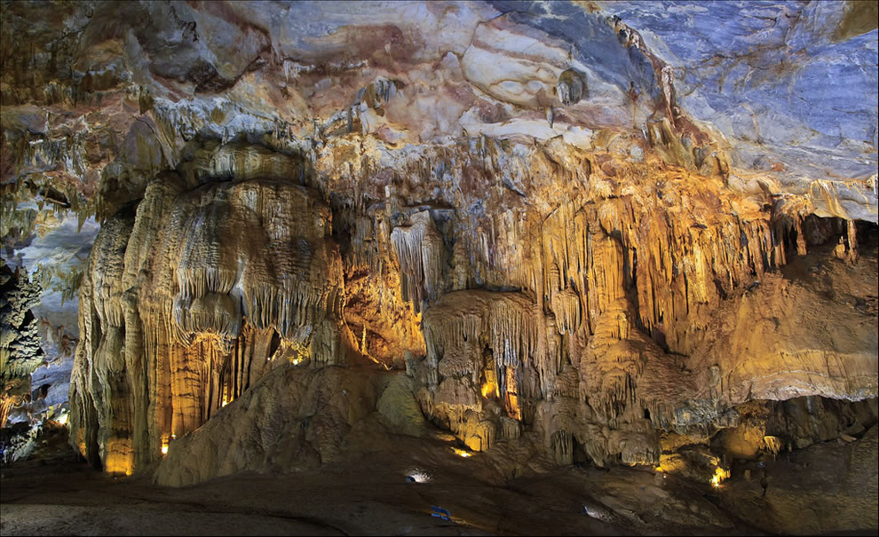 Formations in Vietnam's Thien Duong Cave