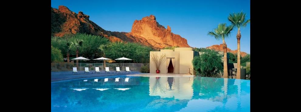 Sanctuary Resort and Spa infinity pool