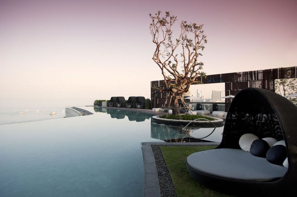 TROP, a landscape architectural design studio, infinity pool at Hilton Hotel in Pattaya, Thailand