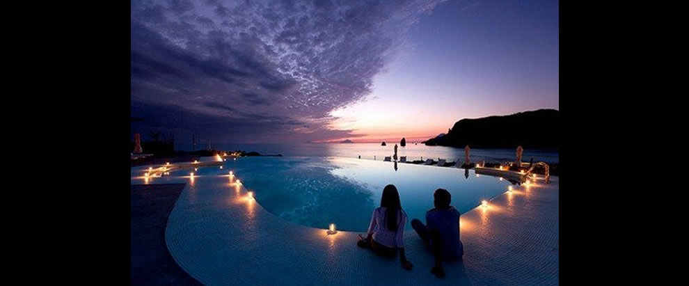 Therasia Resort is located in Volcano, one of the jewels of the Aeolian Islands