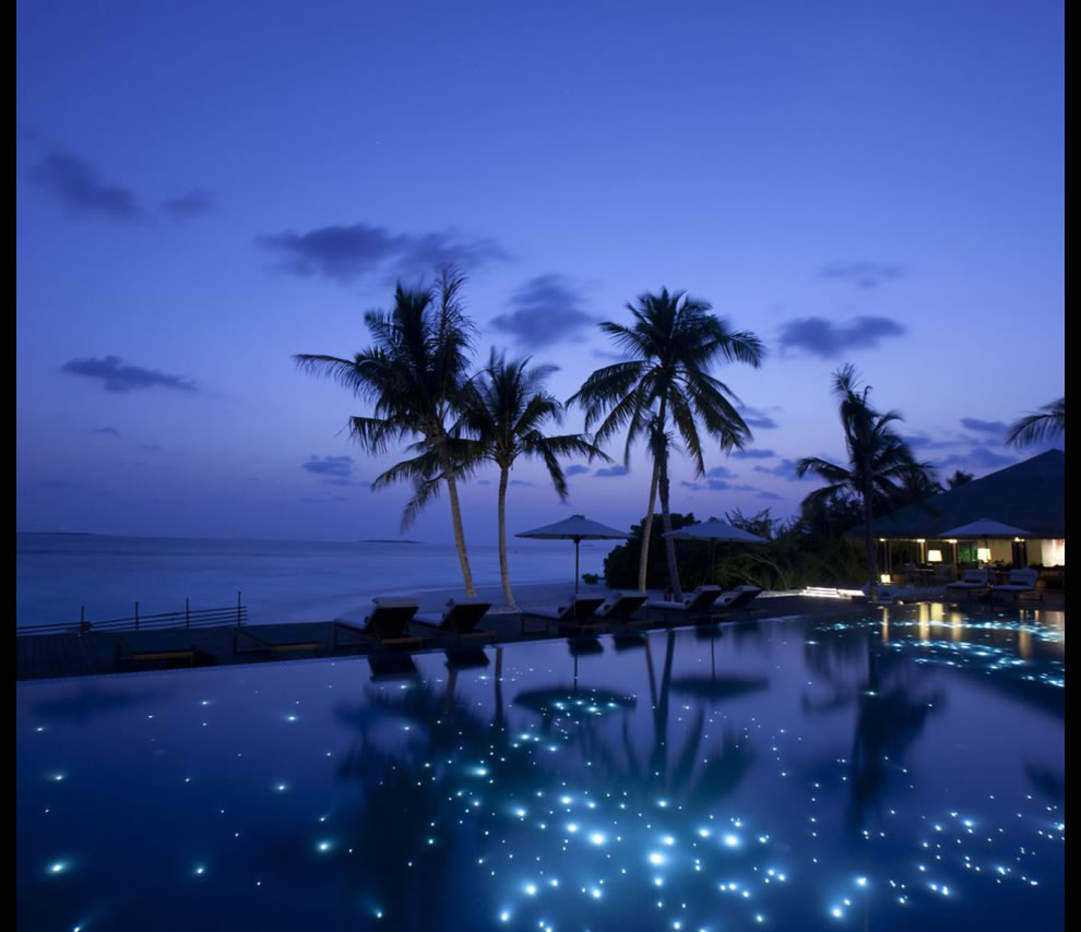 heavenly fairy tale-like infinity pool