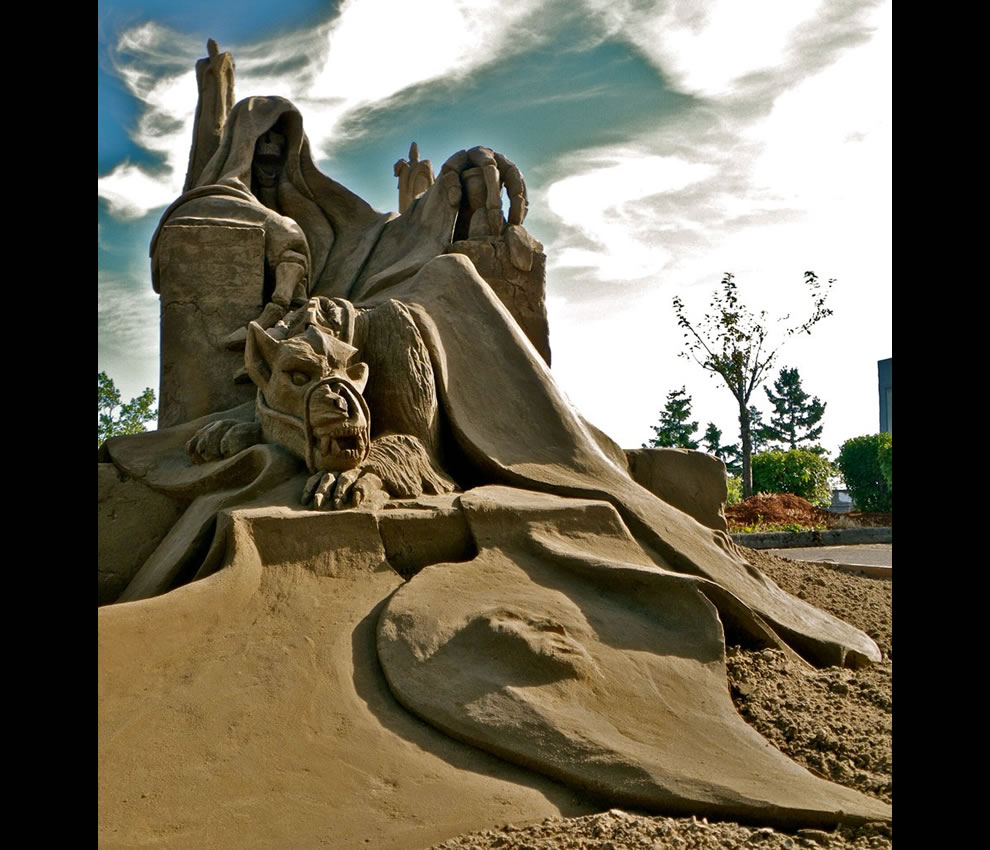 Sand sculptures at 2011 World Championships